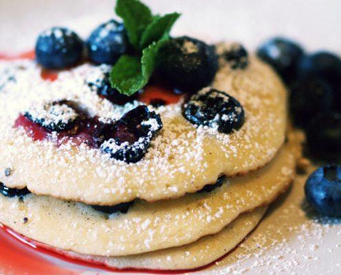 Leckere Blaubeer Pancakes zum Frühstück