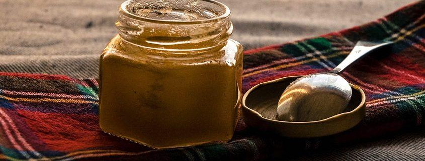 Kann Honig schlecht werden oder ist er ewig haltbar?
