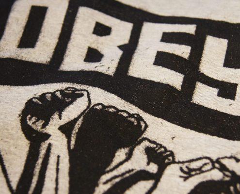 Obey Rise Above T-Shirt - es riecht nach Revolution