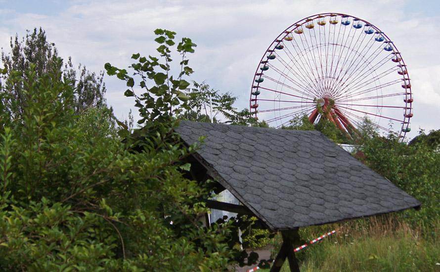 Riesenrad im stillgelegten Freizeitpark Berlin