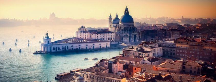 Erlebe die romantische Lagunenstadt Venedig