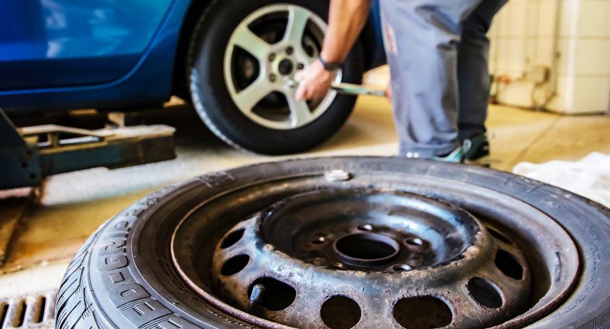 Reifenwechsel zum Winter - Tipps für eine sicher Fahrt