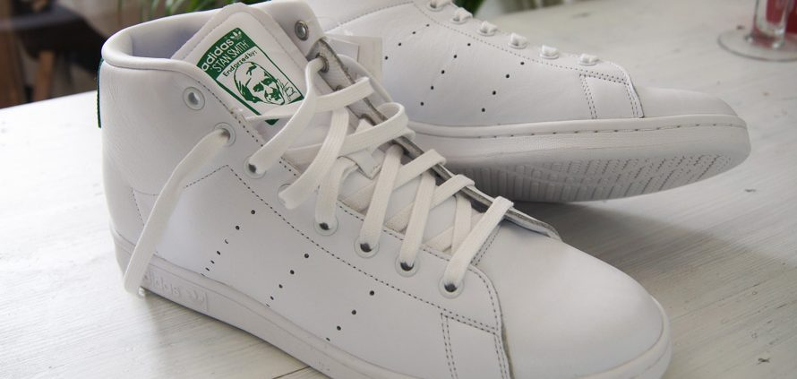 Stan Smith Mid Sneaker in White - Adidas Originals