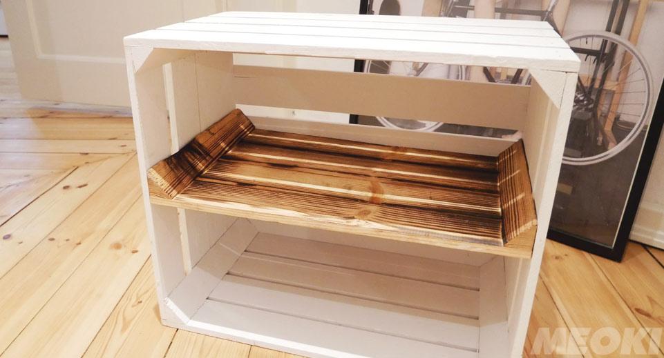 Holzkiste mit geflammter Einlage