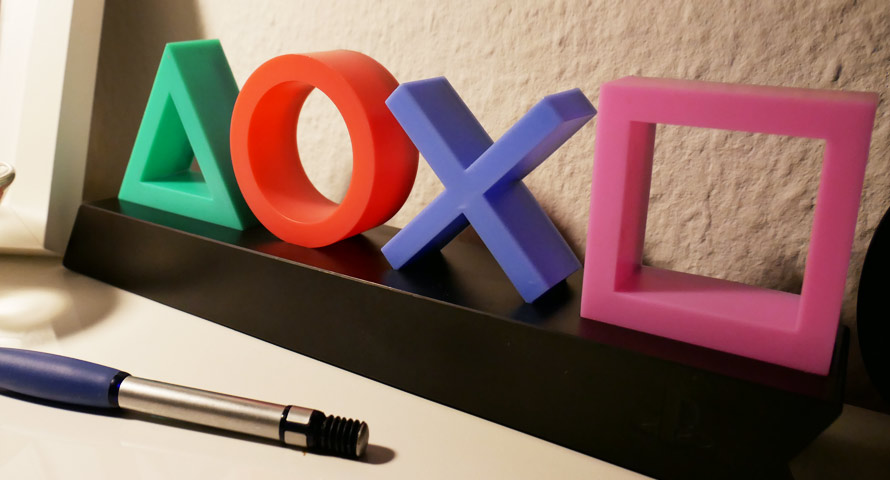 Playstation Icons Light im ausgeschalteten Zustand