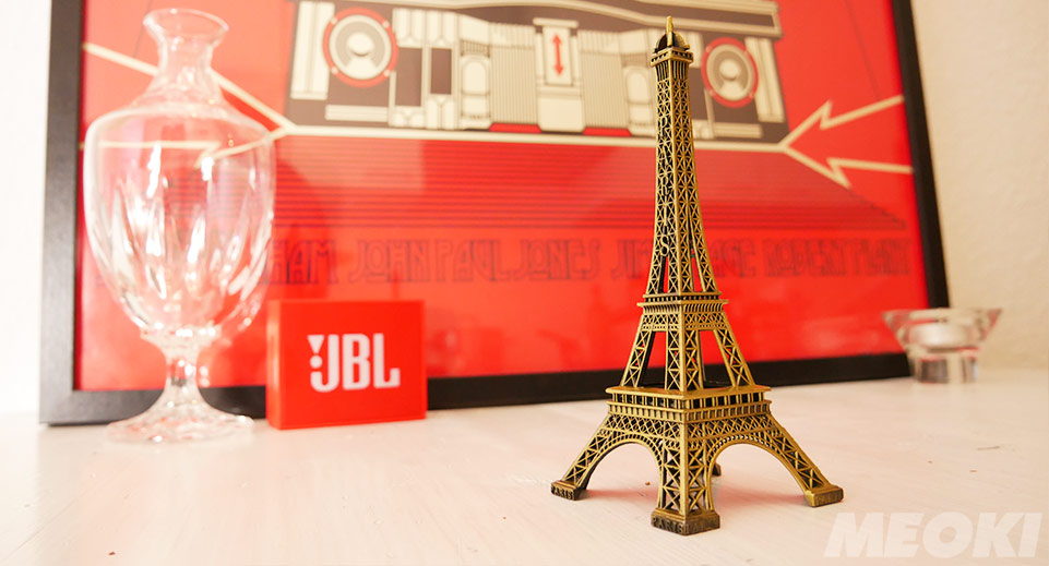 Miniature eiffel towers as souvenir